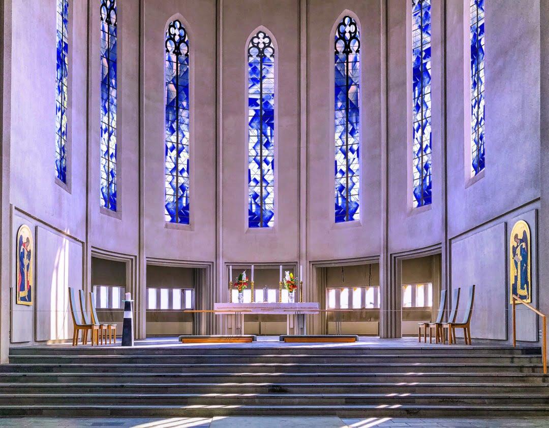 Création pour une Eglise
